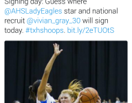 Top 10 women's basketball forward recruit signs with Division II school