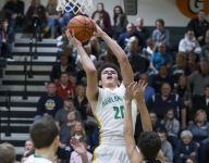 Roundup: Floyd Central extends win streak to 7