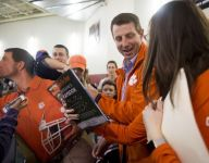 Clemson coach Dabo Swinney mobbed at Tigers commit Tee Higgins' basketball game