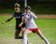 Aztecs defeat Lions with 'grit' in a match of top teams in D5
