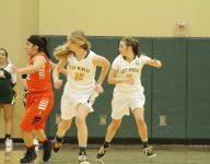 Sister Act II: Holts keeping Manogue on top