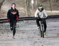 Pa. teen closing in on four-minute mile, but is the achievement worth the risks?