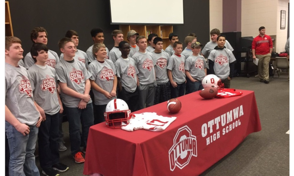 Ottumwa High School's football program held a signing ceremony for eighth graders (Photo: Twitter screen shot)