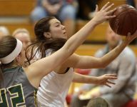 Beaver Dam overpowers Seymour in sectionals