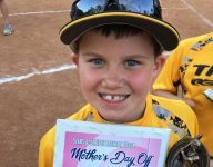 Baseball mom grateful Tennessee QB coach volunteered for later flight