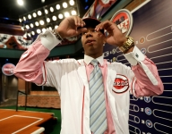 Hunter Greene signs with Cincinnati Reds for record bonus