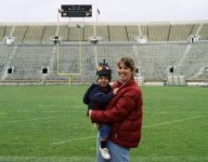 Notre Dame lands commitment from 4-star TE George Takacs with photo of himself as toddler on the field