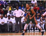 Top Class of 2020 basketball prospect Nimari Burnett leaving Morgan Park (Chicago) for California