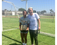 VIDEO: Abby Wambach surprises Gatorade National Girls Soccer Player of the Year Kennedy Wesley