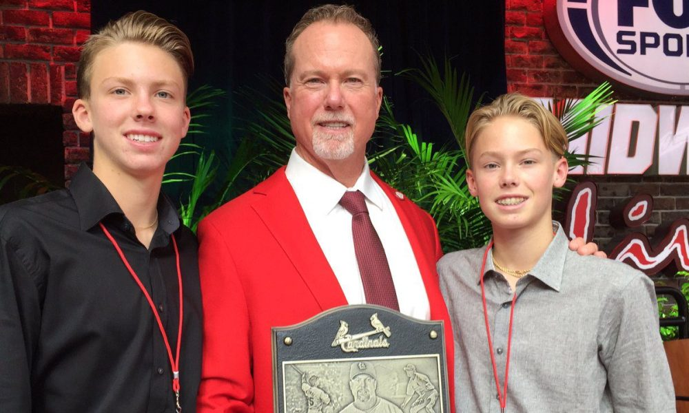 Max and Mason McGwire with their father, Mark (Photo: Twitter screen shot)