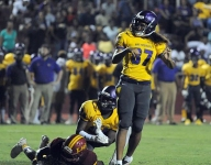 Hattiesburg's (Miss.) first female football player impressing: 'She's an iron woman'