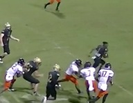 VIDEO: Florida player's helmet ripped off and he just keeps running to end zone