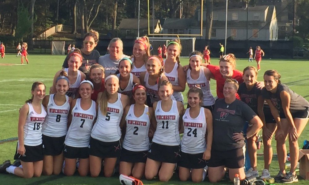 Winchester knocked off the Watertown field hockey team for the first time in 184 games (Photo: Twitter screen shot)