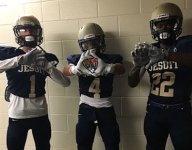 Dallas Jesuit loses timeouts for wearing jerseys which obscure numbers, then wins behind 5 TDs from Emmitt Smith's son