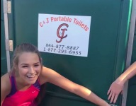 Watch a South Carolina cross country team fit 40 teens in a porta potty for #PortaPottyChallenge