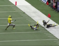 Oklahoma and FSU recruits team up for wild interception in Army All-American Bowl