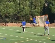 VIDEO: Torezz Alexander pulls down crazy one-handed catch in 7v7 scrimmage