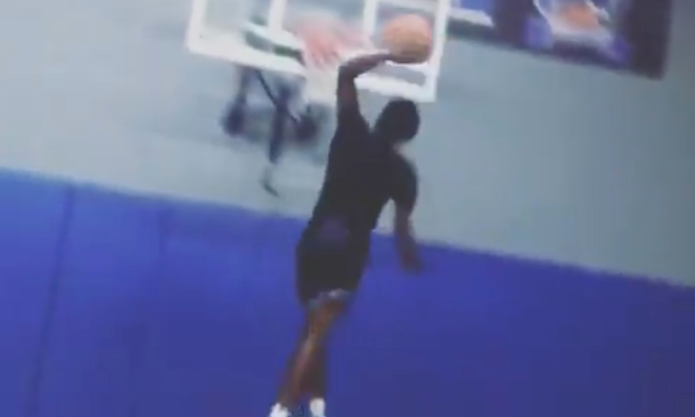 Zaire Wade threw down a massive dunk at the end of a ballhandling drill (Photo: @overtime/Twitter)