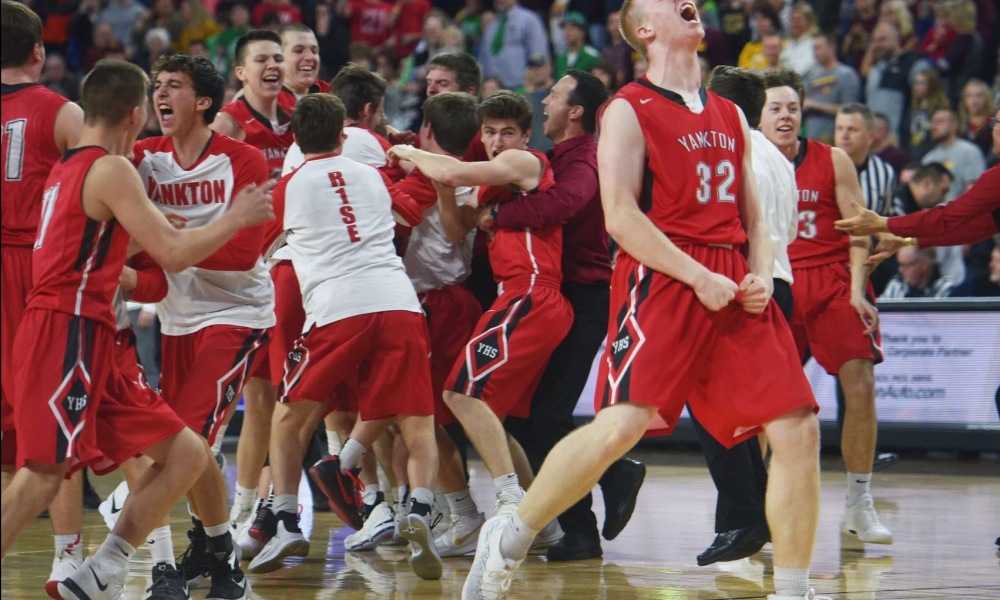 Yankton celebrates its first state title in 40 years (Photo: Argus Leader)