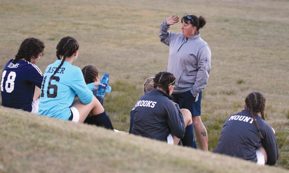 Fike girls soccer coach Toni Varacchi (Photo: @PDSports/Twitter screen shot)