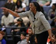 Texas girls basketball coach signs contract to lead new program, backs out to return day later