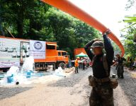Thailand cave drama: Rescuers race to drain caverns before new rain