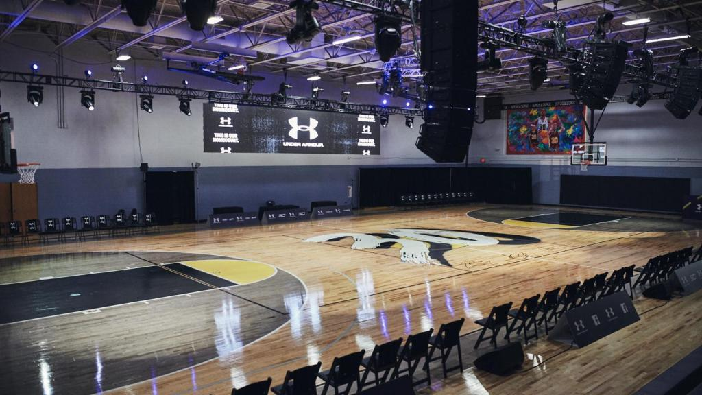 Steph Curry Renovates Charlotte Basketball Center For All Star Weekend