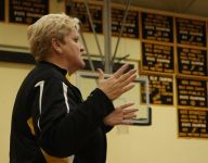 New Jersey cheerleading coach dies after 40 years at high school
