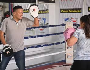 Former welterweight champion Jose Celaya teaching boxing in hometown