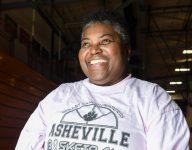 Sonita Warren-Dixon continues to break racial, gender barriers in coaching career