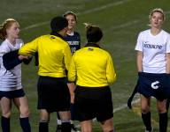 Vermont girls soccer team stands for #equalpay — and gets carded