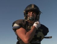 One-armed high school wide receiver inspires Southern California community