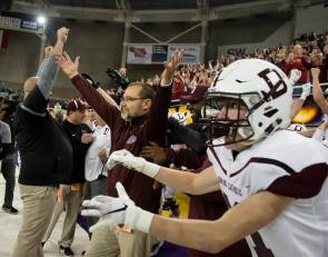 Dowling Catholic goes where no Iowa team has gone before: winning 7 straight championships
