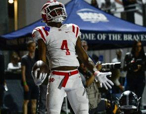 Freshman QB Elijah Brown stars as Mater Dei topples St. John Bosco