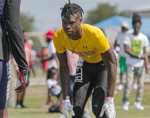Travis Hunter is the new No. 1 recruit in the class of 2022